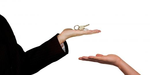 What can a landlord deduct from a tenant's deposit?